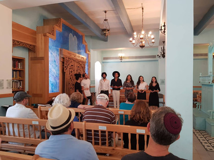 Kululam - explaining Hebrew music