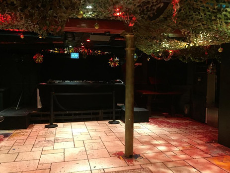 Great Intimate basement with Void Sound System