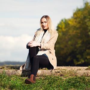 Paige Autumnal Shoot