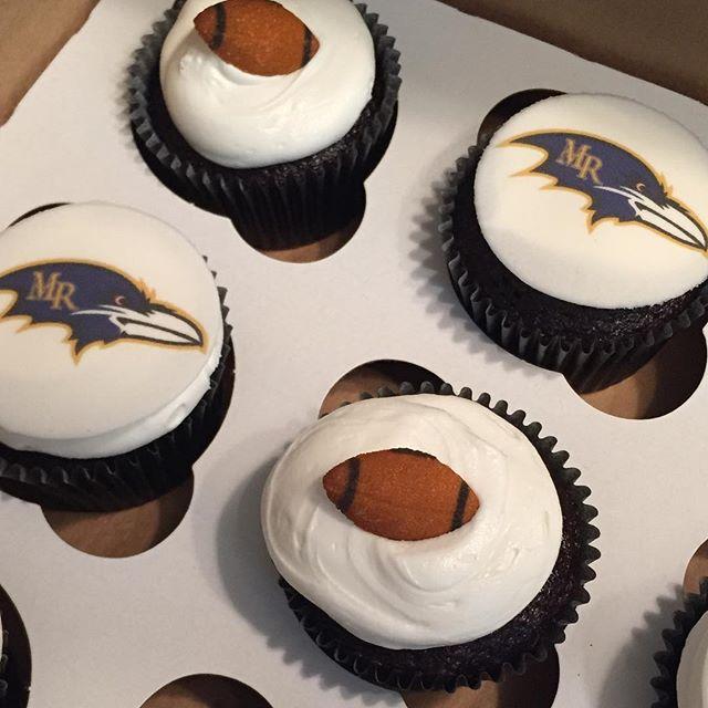 sports team cupcakes