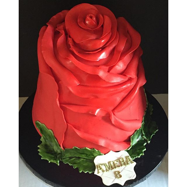 Giant rose cake!