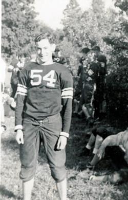 (1942) QUARTERBACK