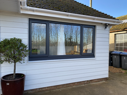 Kommerling Anthracite window.heic