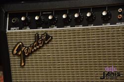 Fender frontman 25