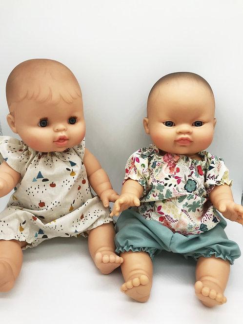 Puppen Mädchen von Paola Reina inkl. Outfit von Petit Lapin