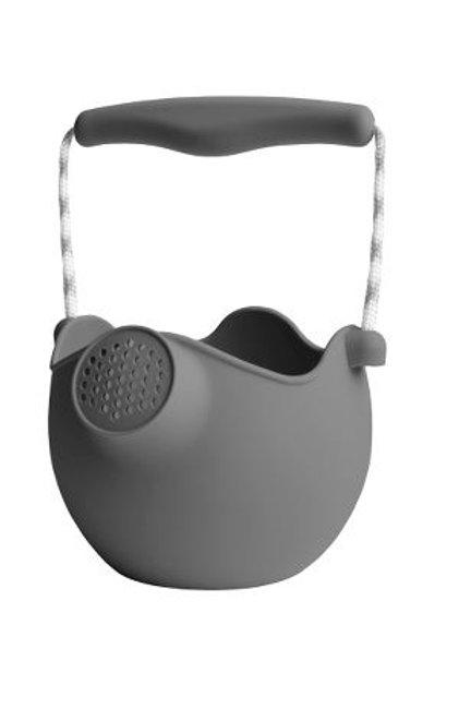 Kleine Giesskanne aus Silikon von Scrunch - Anthrazit