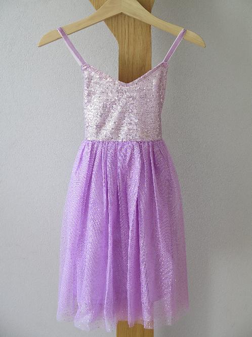 AUSVERKAUFT Tanzkleidchen  mit Pailletten in lila