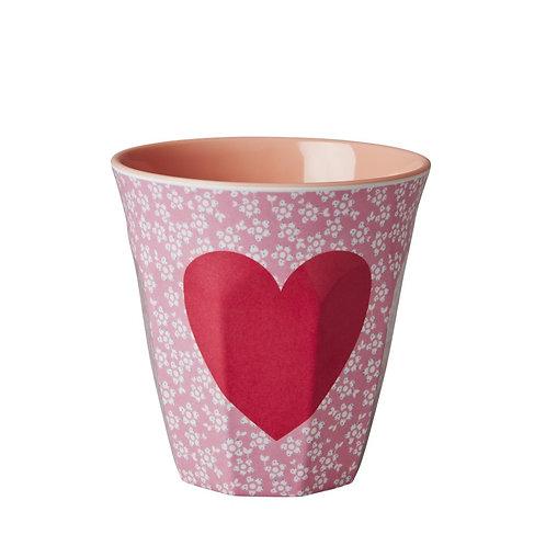 Grosser Becher - rosa mit rotem Herz