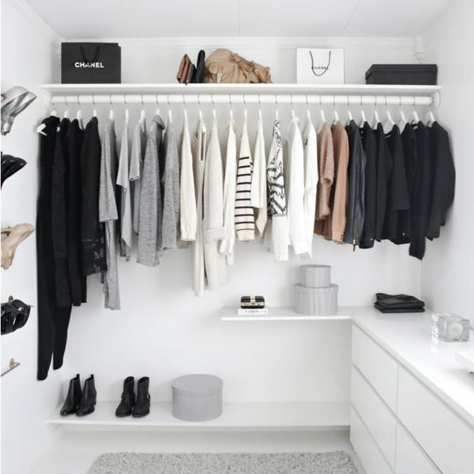 ¿Te gustaría tener un armario completo y versátil?  Lógralo con el método de las cápsulas de armario
