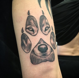 tattoo-wolf-paw.png