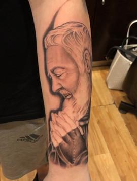 padre-pio-tattoo-1.jpg