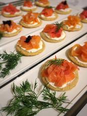 Smoked salmon blinis