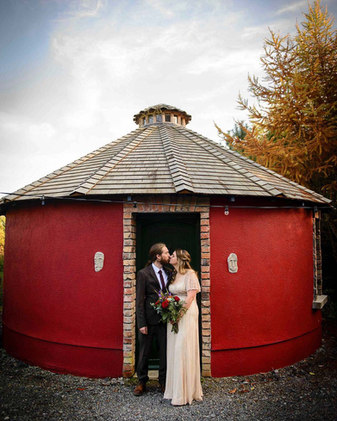 alternative bride and groom kissing - Galway wedding photographer