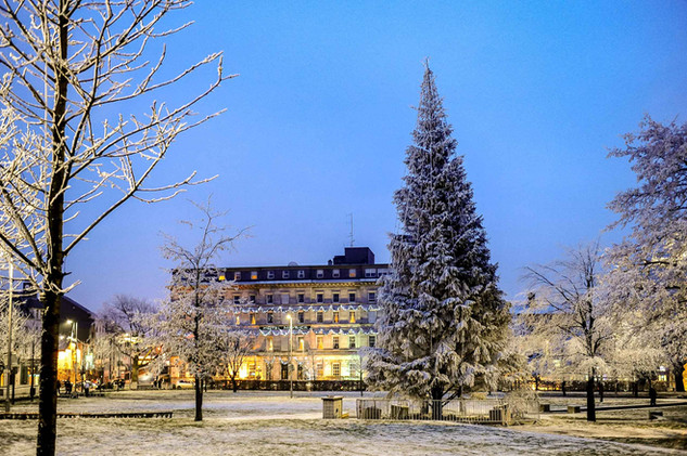 Christmas during the winter snow in eyre square - Galway Commercial Photogrpaher