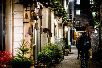 kirwans lane at christmas - Galway Commercial Photogrpaher
