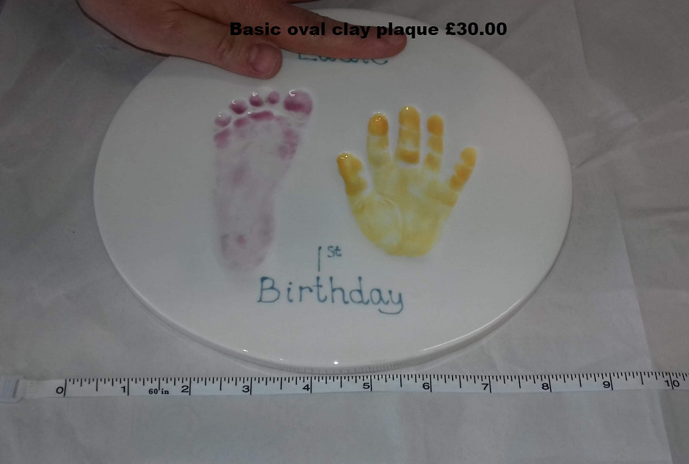 Basic oval clay plaque £30.00