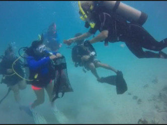 Buzos voluntarios realizan limpieza en la isla de Palomino