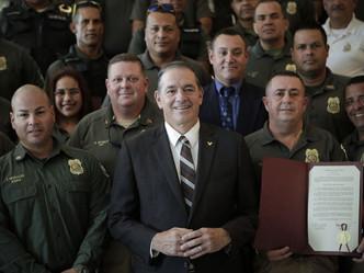 Senado reconoce al cuerpo de vigilantes en su 40 aniversario