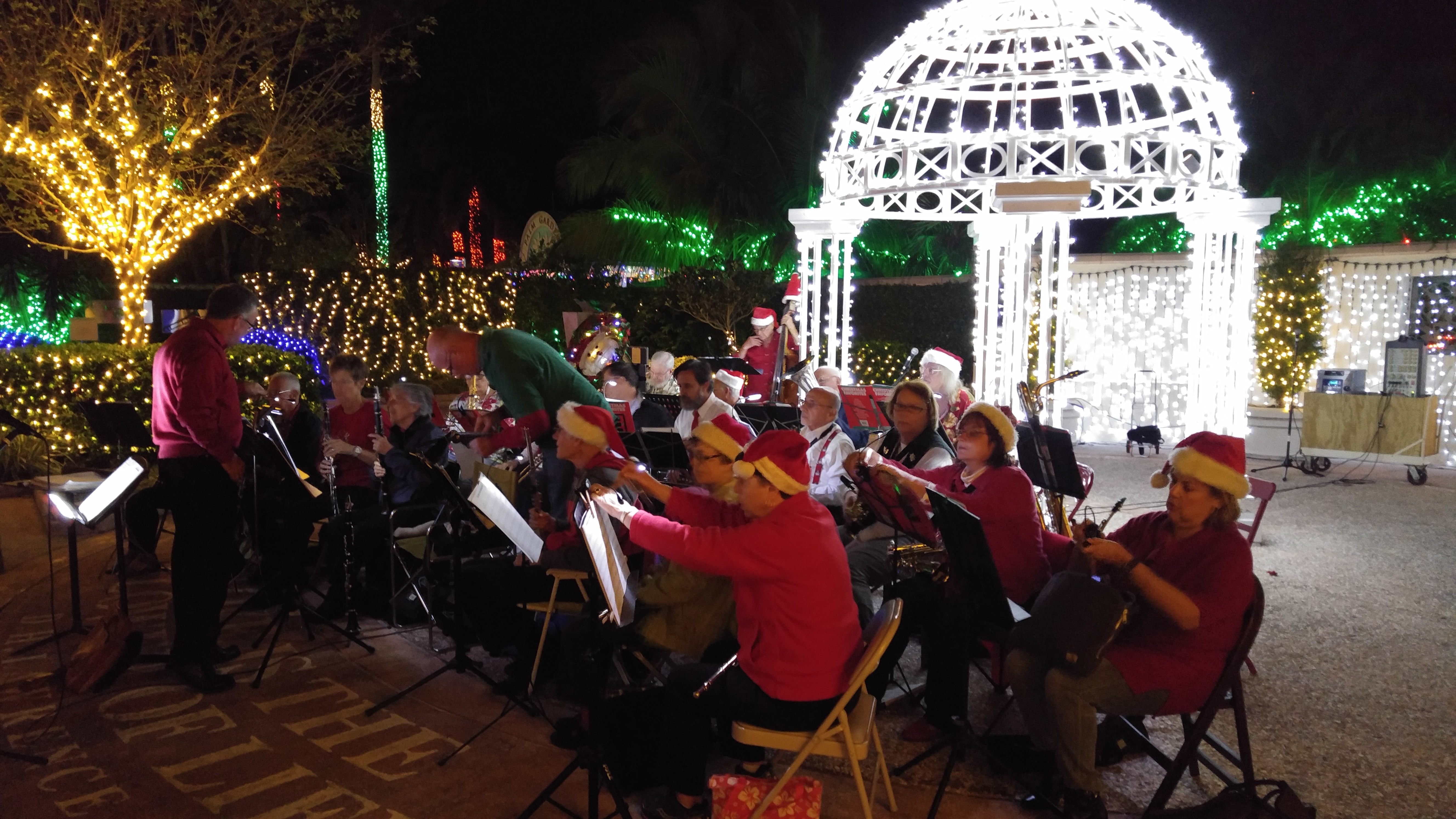 NHB Plays on at Botanical Gardens