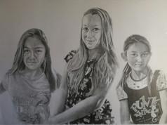 Grafit portré - Hármas.jpg