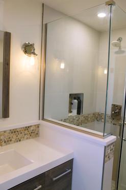 Guest bath5.jpg