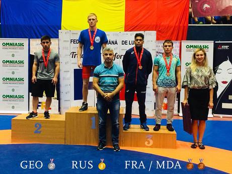 Tournoi international à Bucarest Lutte - Une médaille de bronze pour Enrick Bataille