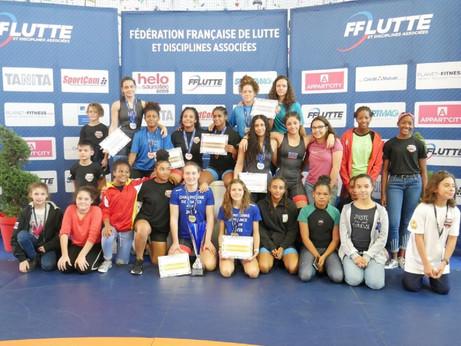 Le LCSJ 1 er club national aux championnats de France de lutte féminine