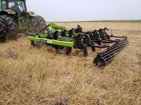 Escarificador promove descompactação e ajuda no rendimento da lavoura e da pastagem
