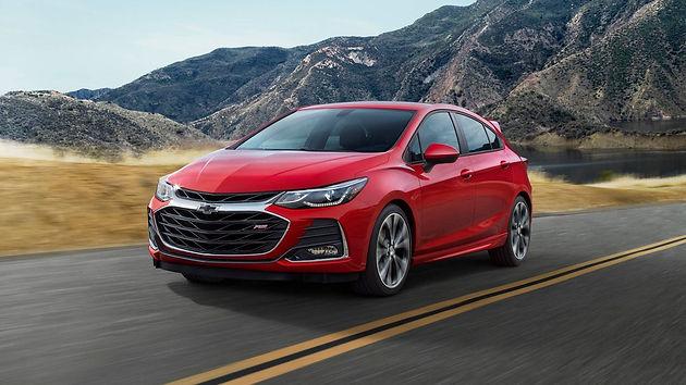 Chevrolet Cruze reestilizado aparece com novo visual agressivo