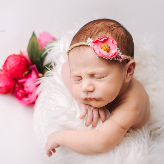 Parents guide how to prepare for your newborn photo-shoot.