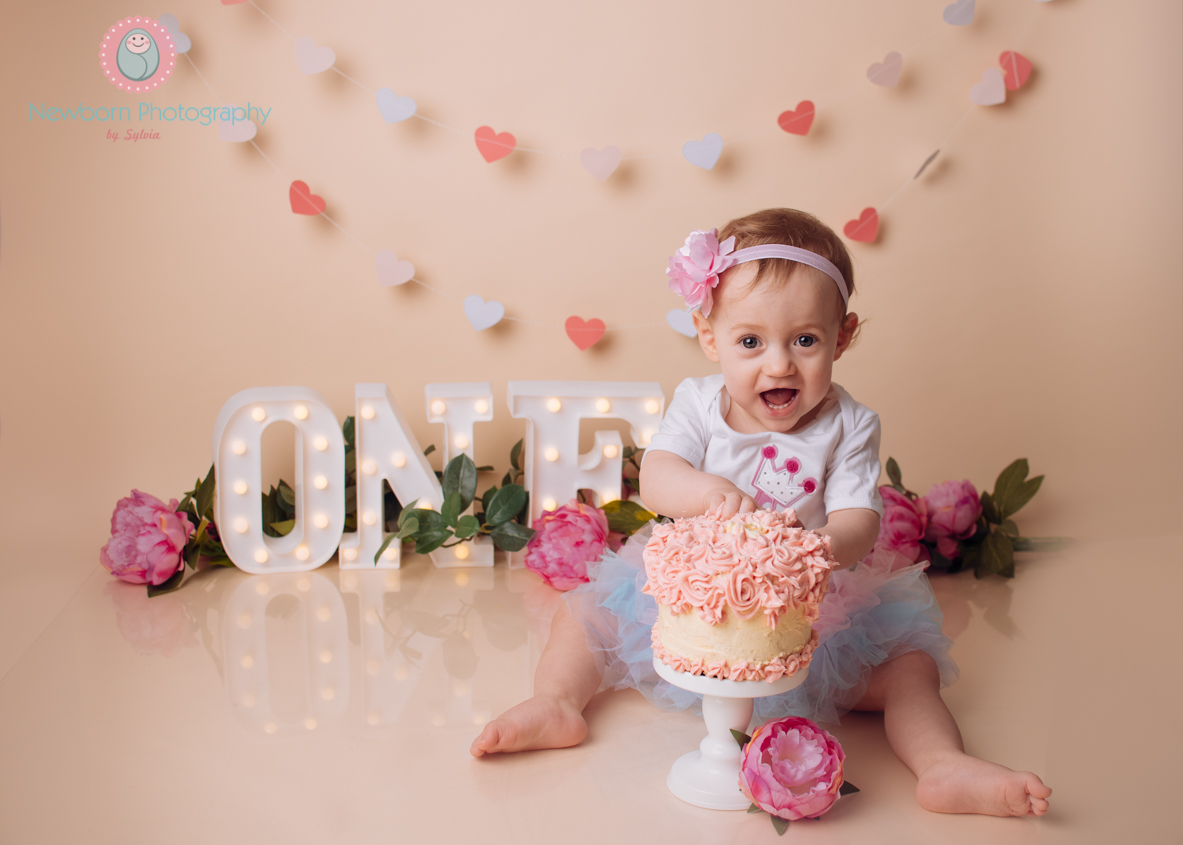 Bristol cake smash photoshoot
