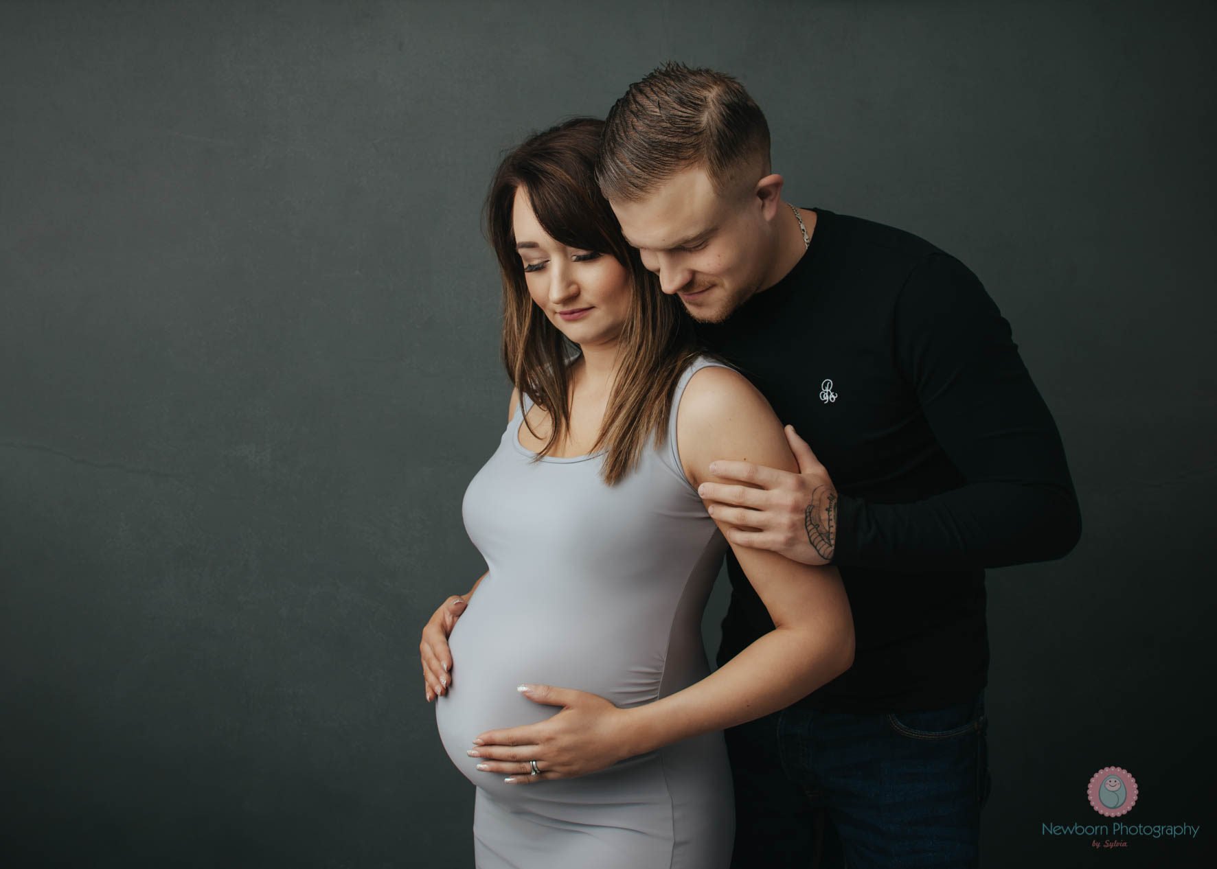 Pregnancy photography near me