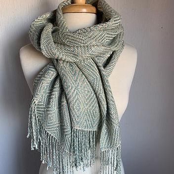 SW 4s goose eye shawl.jpg