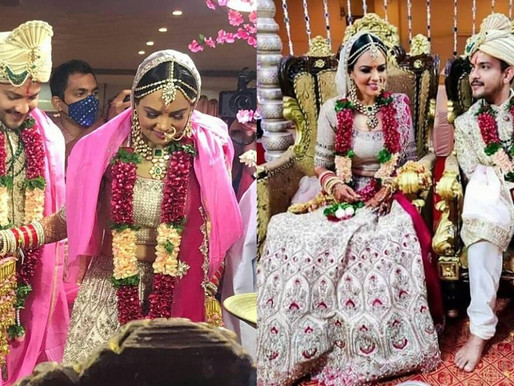 Aditya Narayan shares loved-up pic with Shweta Aggarwal from their wedding.