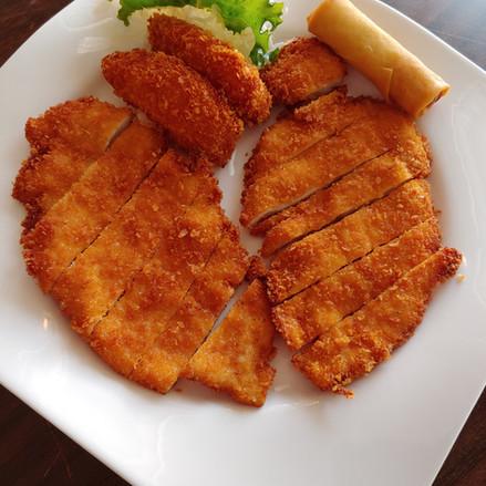 Tonkatsu Chicken Platter.jpg