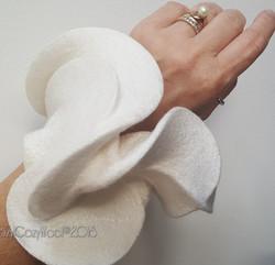 prom wrist