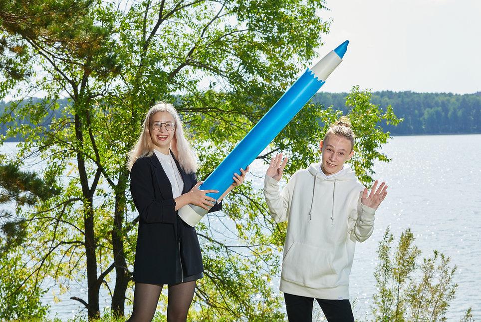 нападение карандашей