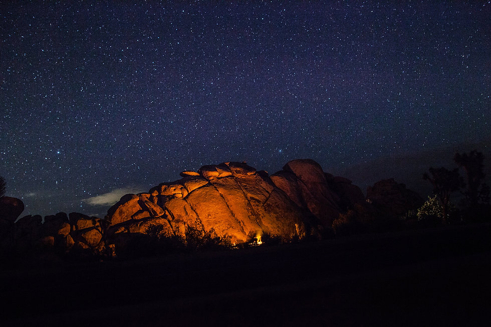 campfire-camping-dark-night-c022814c3f17