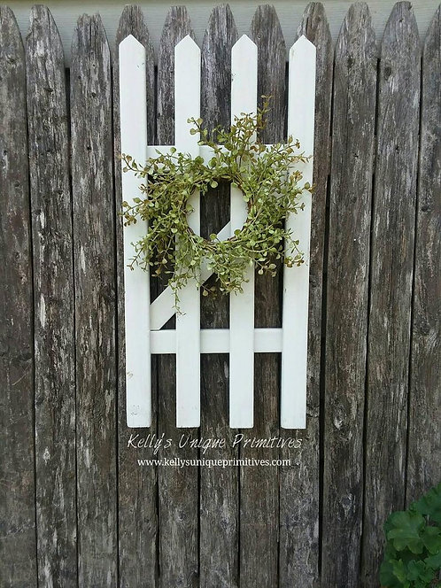Farmhouse Picket Fence