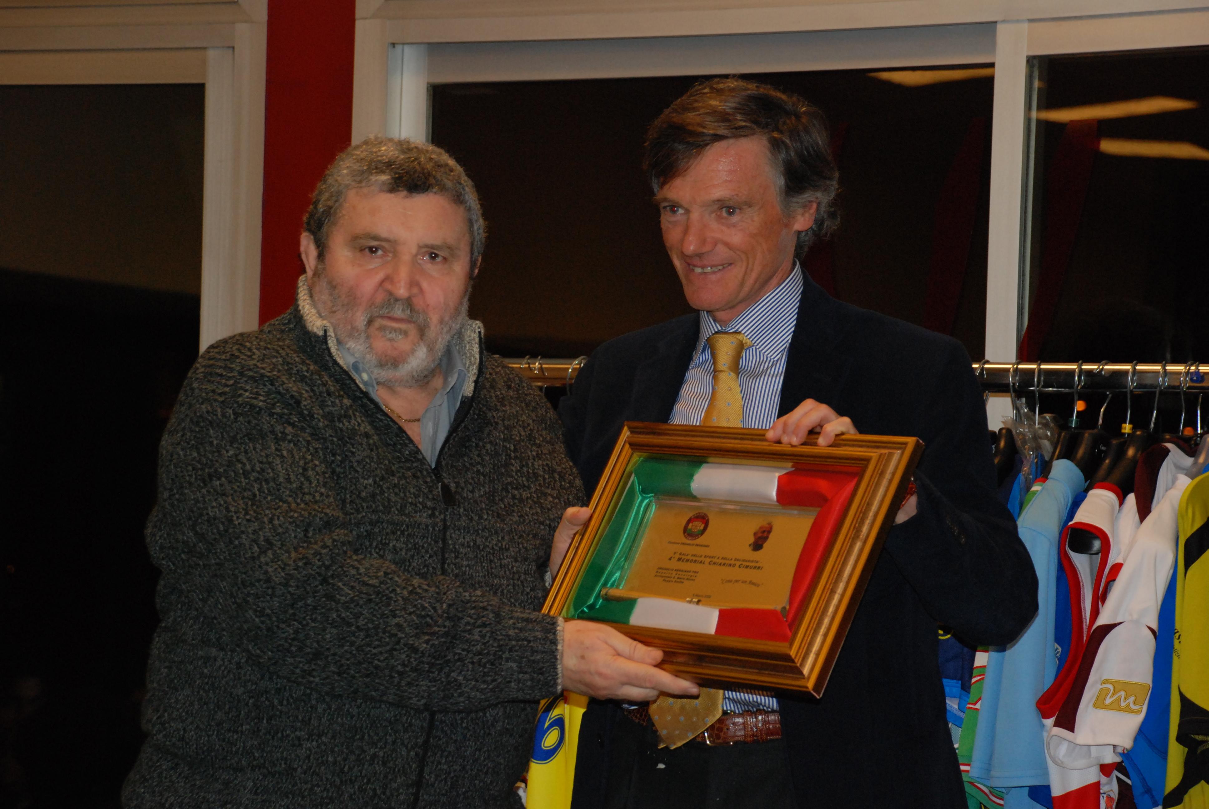 Gala G.Cimuirri consegna Memorial Chiarino Cimurri a Leo Ergellini (pall.Reggiana)