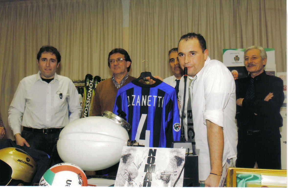 Gala dello Sport. Asta maglia Inter di j.Zanetti con Roberto Boninsegna