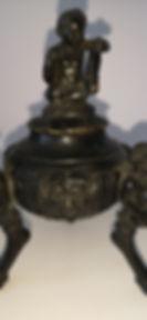 Calamaio in bronzo cesellato e patinato