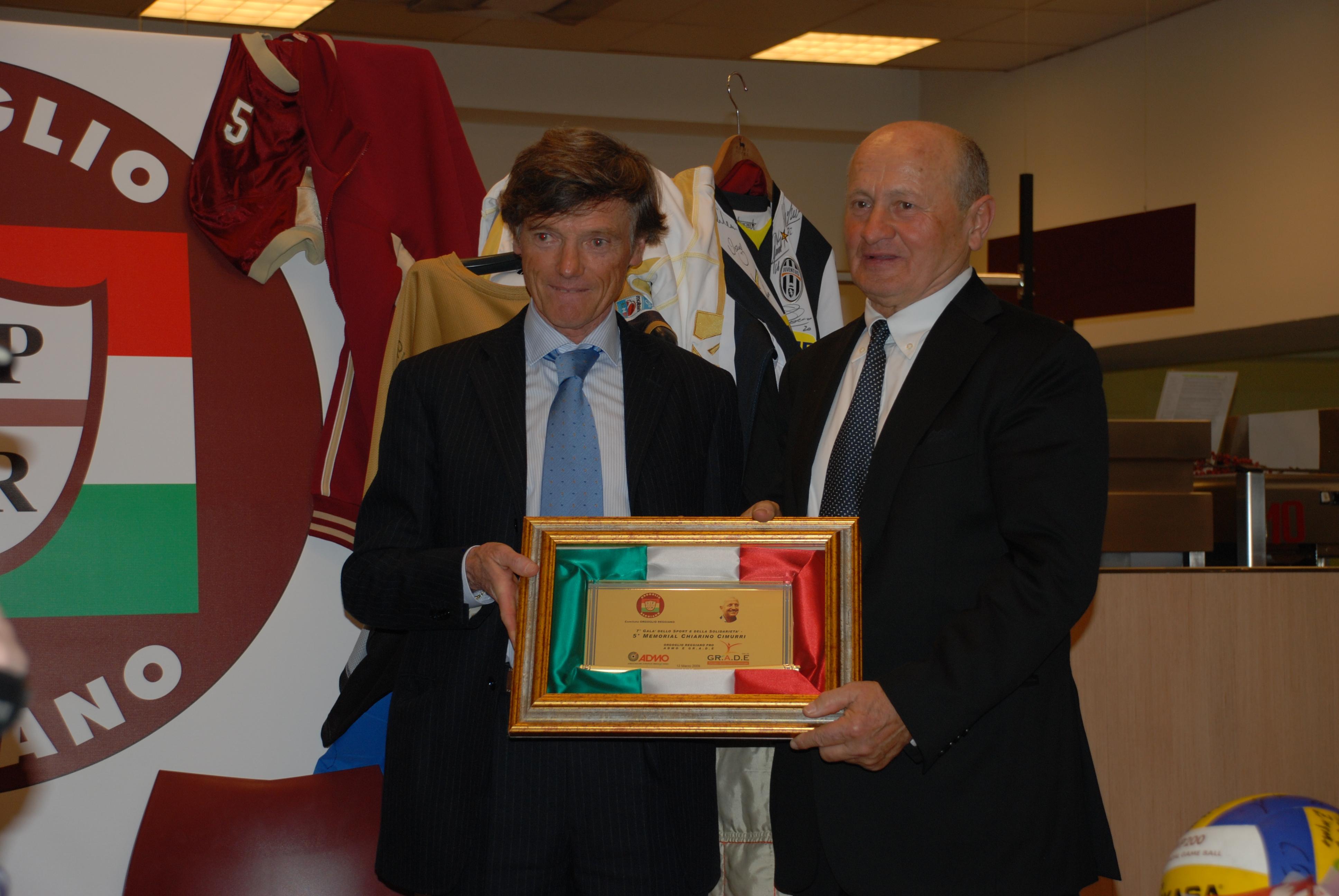 Gala dello Sport G.Cimurri consegna memorial Cimurri a B.Reverberi (Bardiani ciclismo)