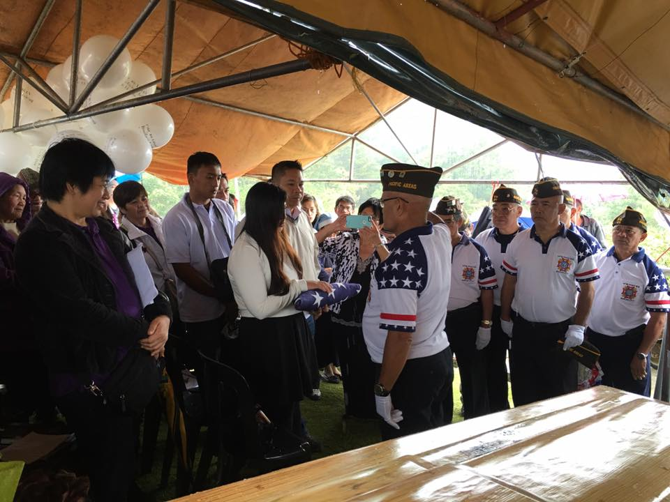Cdr JoeA presenting the US Flag to Comrade Lebengs Family