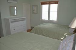 Bedroom Water side