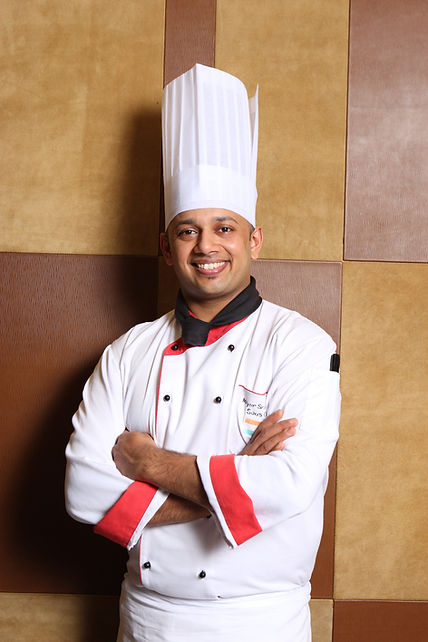 Owner and chef at Mayur Indian Kitchen Taipei 台北馬友友印度廚房的老闆和廚師