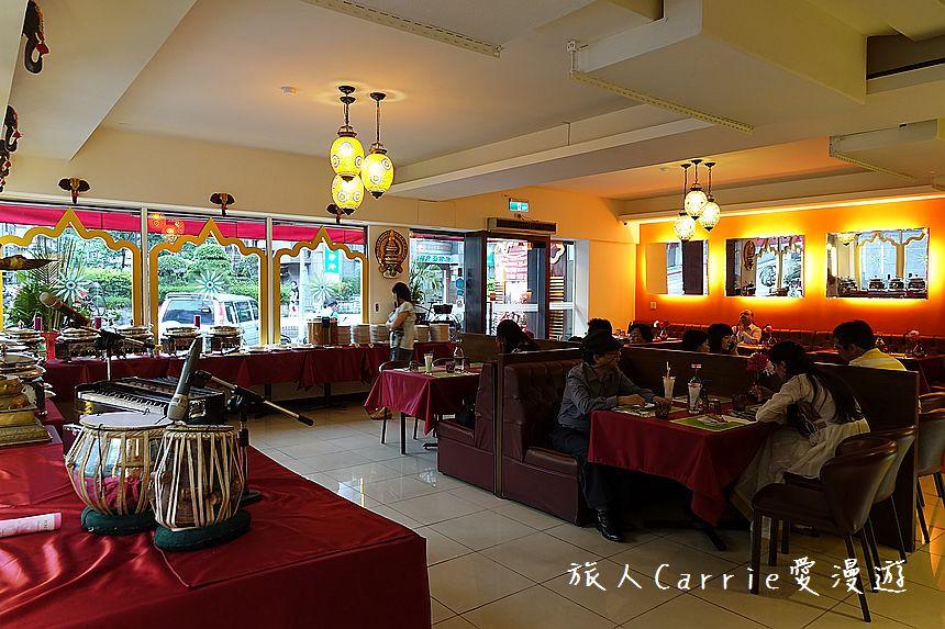 The very spacious dining hall at MiK-5 Taipei, Taiwan.