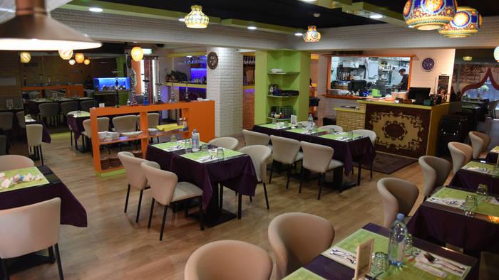 Mayur Indian Halal Kitchen,MIK-8, Zhongxiao E.rd.