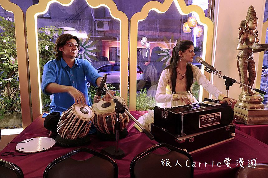 Live Indian Music performance by Indian artists at Mayur Indian Kitchen