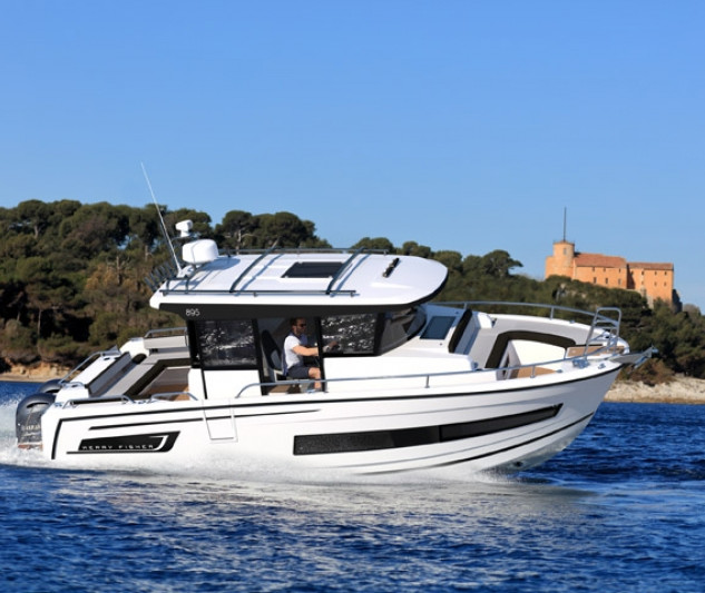 MArlin 895 Altantic yachts on water.jpg